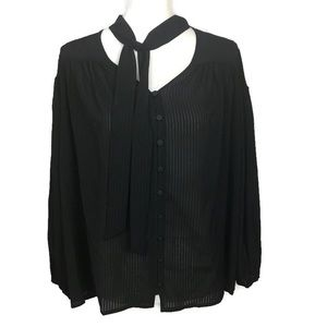 Time and tru size medium blouse color black.